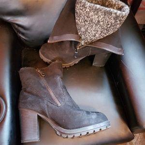 Mossimo black chunky boots